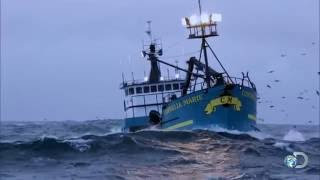 Captains Stories: Jumping off the Deck | Deadliest Catch