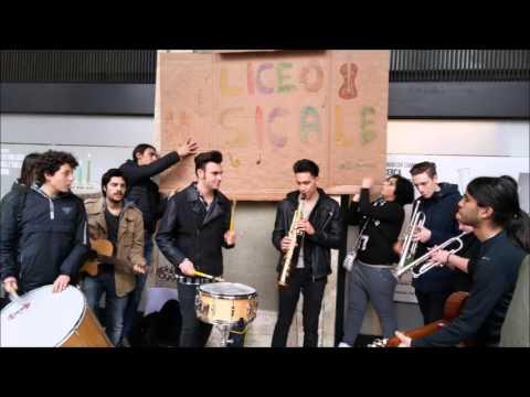 La protesta dei licei musicali: concerti di piazza in difesa dei docenti