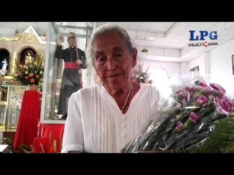Fieles veneran imagen del Beato Óscar Arnulfo Romero en San Vicente