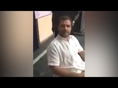 Rahul Gandhi detained by Delhi Police, creates drama inside police station, watch । वनइंडिया हिंदी