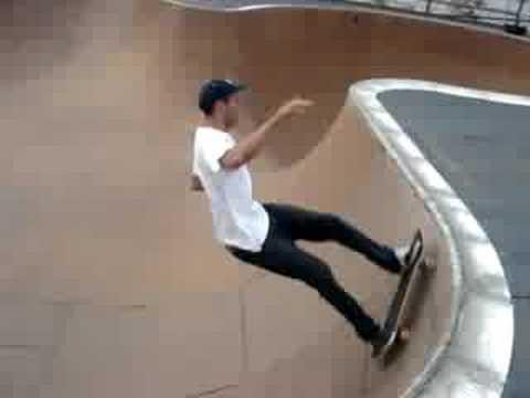 Hudson Heli port bowl - NYC - skateboard - asdfdadfasdf
