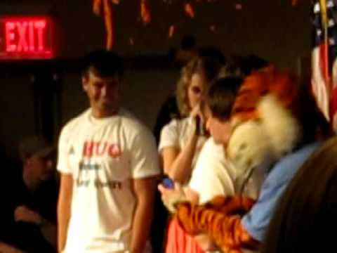 Taylor Swift at Auburn University, A Hug from Taylor Swift