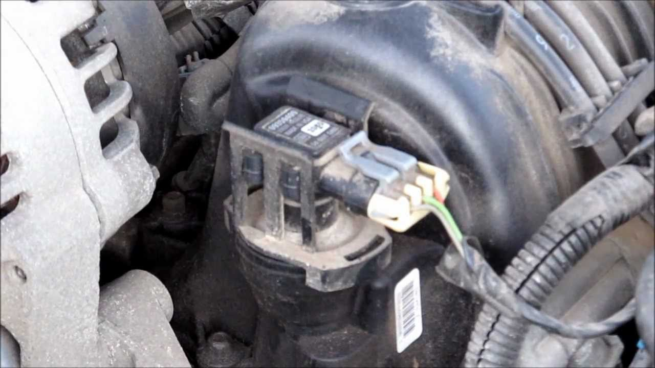 Changing MAP and MAF sensors in a 2002 Pontiac Grand Prix 3800 Series 2 V6  YouTube