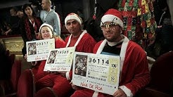 El Gordo: zwei Milliarden, singende Lottofeen und bunte Kostüme für die spanische Weihnachtslotterie