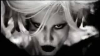 Gülşen - Dillere Düşeceğiz Seninle Video 2010