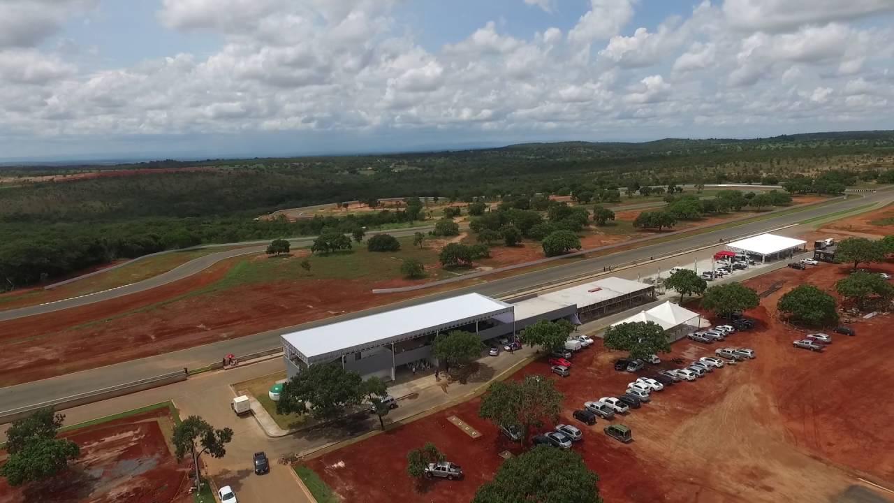 Circuito De Cristais : Circuito dos cristais pista imagens aéreas youtube