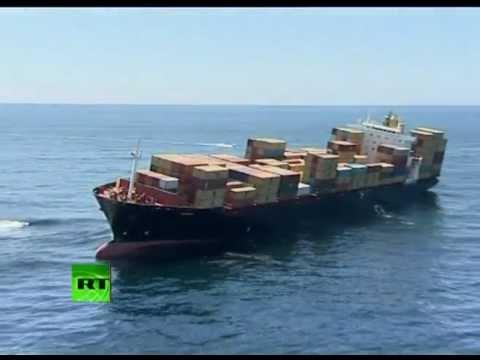Video: Ship stuck on reef, leaks oil near New Zealand