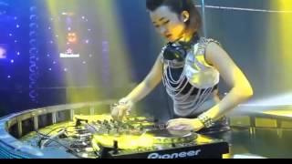 Vợ người ta Nonstop ngắm DJ Trang Moon
