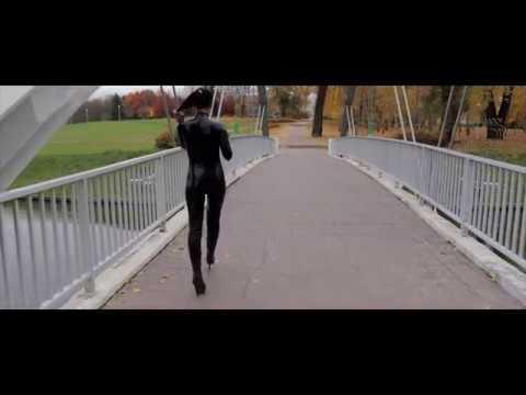 Latex catsuit in public park - Trailer video