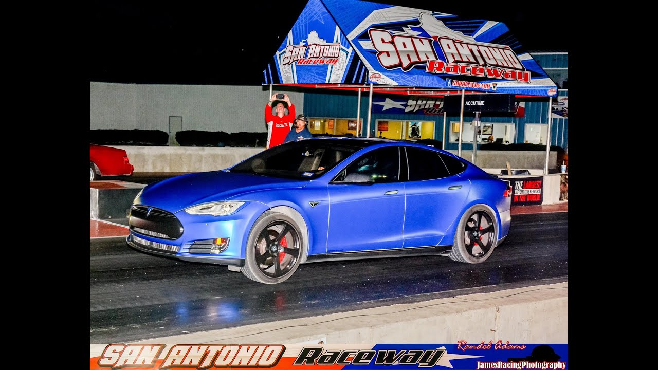 Drag Racing Tesla P85d Ludicrous At San Antonio Raceway