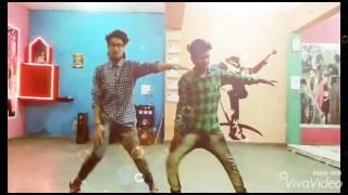 mile-ho-tum-humko-dance-al-song-tonny-kakkar-mr-gangwani