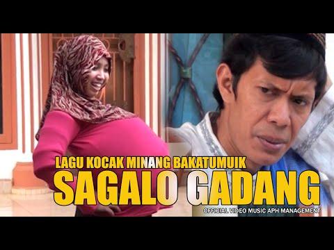 Lagu lawak minang~Vera,Amaik, Madon,Ayu,Padla - SAGALO GADANG - Official Music Video - APH