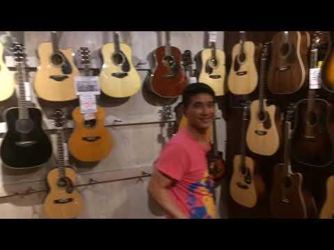 Jalan Jalan ke Toko Gitar : Mega Music Perth Australia