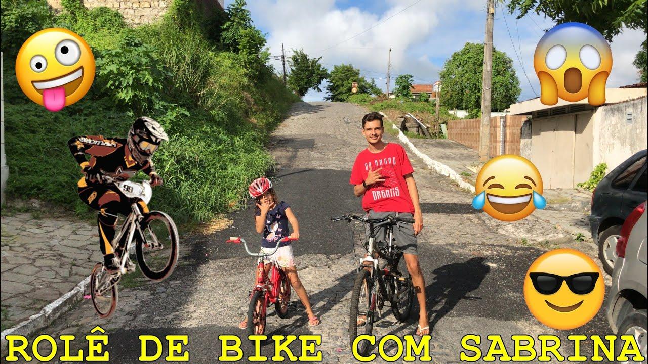 ANDANDO DE BIKE PELAS RUAS