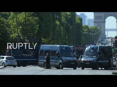 LIVE from Champs-Élysées after car crashes into police van