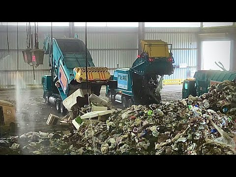 LA Garbage Trucks Dumping Trash