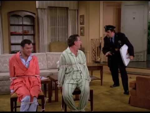 The Odd Couple - Murray We Were Robbed, Break The Door Down
