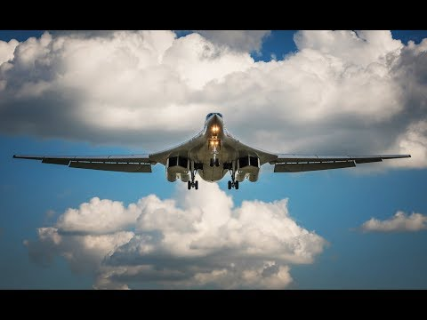 Ту-160 заходит на