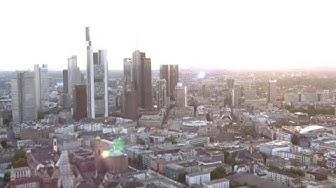 NUR NOCH PEANUTS: Wie Manager die deutschen Banken ruinierten