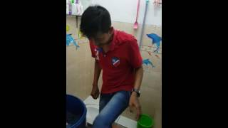 Download Video Tukang ngocok di wc MP3 3GP MP4