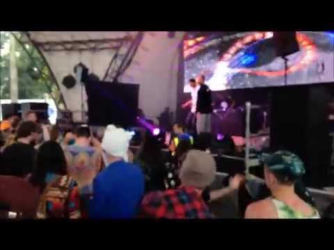 DJ Spinn & Taso and Glasto Wellie Footwork