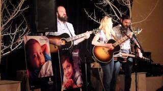 Смотреть клип Stephanie Quayle - Rollercoaster