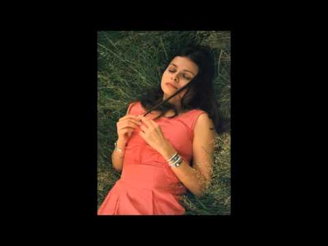 Paradise Circus -  Hope Sandoval + Massive Attack, w. notes re. Hope's collaboration