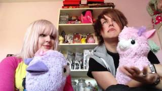 Mint and Endigo: fun with alpacas Thumbnail