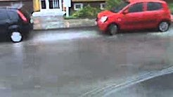 Überflutete Strasse in Bleicherode nach Unwetter