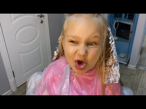 Алиса изменила ЦВЕТ ВОЛОС !!! Alice Change Hair Color !!!