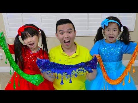 Emma & Jannie Pretend Play Making Satisfying Colorful Glitter Glue Slime