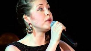 Алёна Петровская - Расцвела под окошком