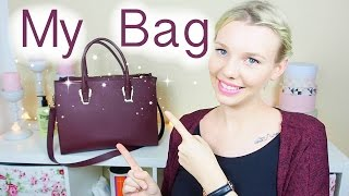 WHATS IN MY BAG? 👜💄 | Isabeau