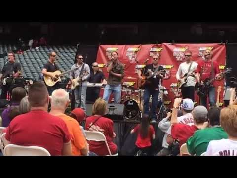 Diamondbacks players rocking out at Dbacks fan fest 2015