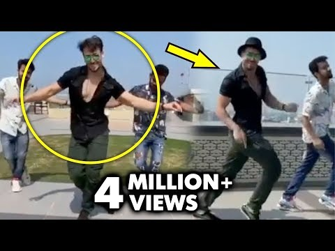 Tiger Shroff's TRIBUTE To His IDOL Hrithik Roshan On Ghungroo Song From WAR | Le Gayi Le Gayi Mp3