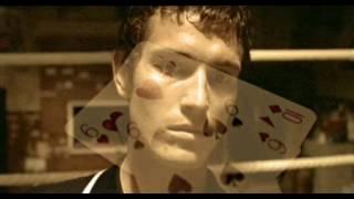 Карты, деньги, два ствола - А теперь давайте посмотрим ту xyйню, что у него на руках