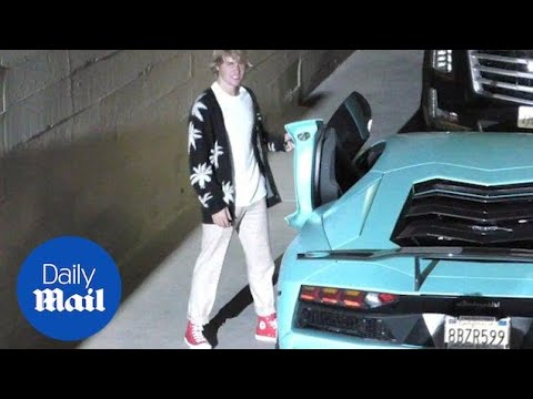 Justin Bieber spotted leaving church service in Beverly Hills - Daily Mail