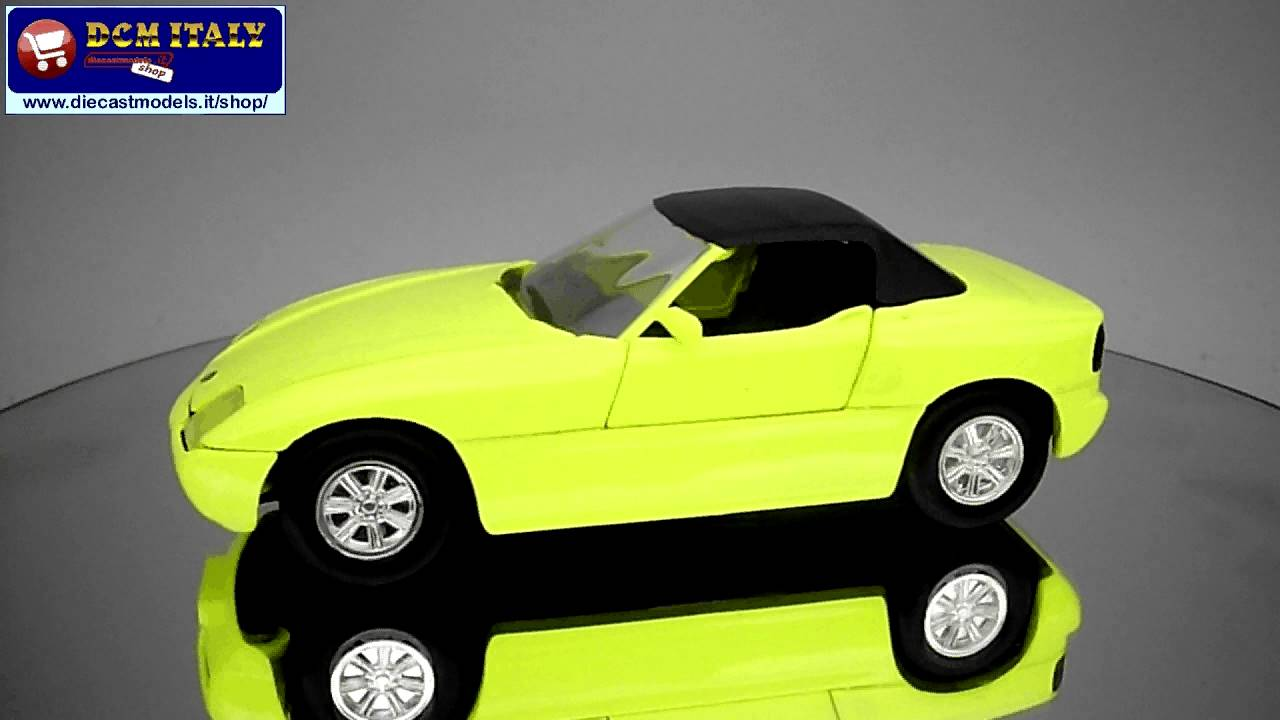 revell bmw z1 yellow hd youtube. Black Bedroom Furniture Sets. Home Design Ideas