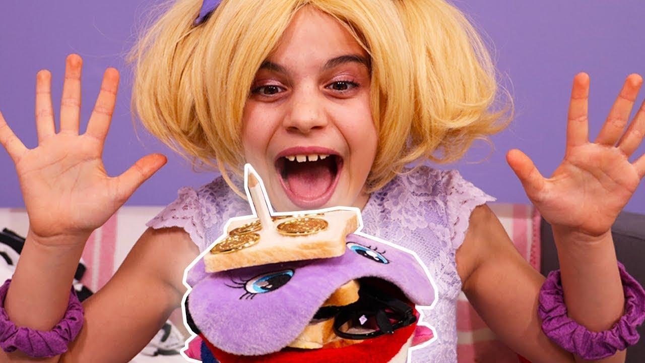 Olivias Giant Sandwich   Princesses In Real Life   WildBrain Cartoons