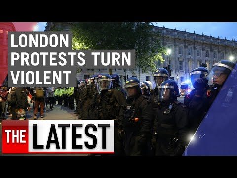 Thousands march in London for Black Lives Matter as protests turn violent | 7NEWS