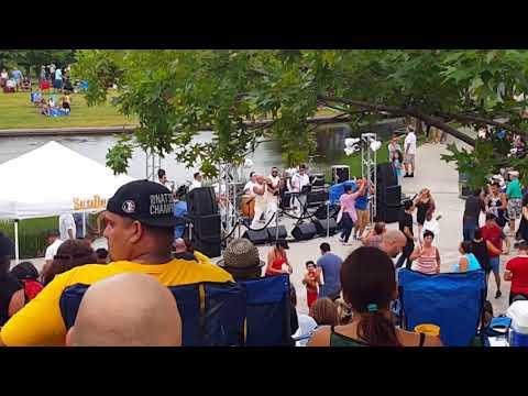 Dallas Dances: Salsa in the Park Summer Series