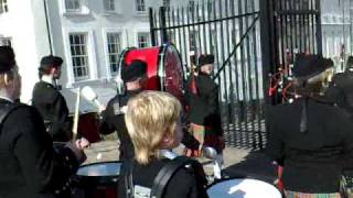 Convoy pipe band on Derry Walls