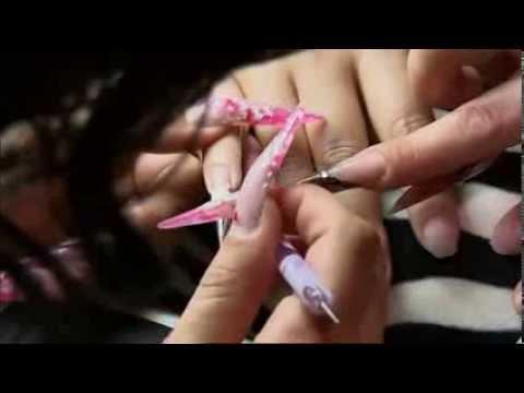 Dans les coulisses du championnat du monde de coiffure et nail art TF1 reportage