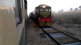 Pakistan Railways:16dn Karachi Express X 145up Sukkur Express