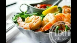 Рецепт салата с маринованными опятами и креветками