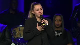 Miley Cyrus Breaks Down in Tears Honoring Voice Contestant Janice Freeman at Her Memorial Service thumbnail