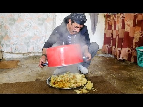 Arabic Food in Jordan - HUGE MAQLUBA (مقلوبة) Upside Down Chicken Rice Platter!