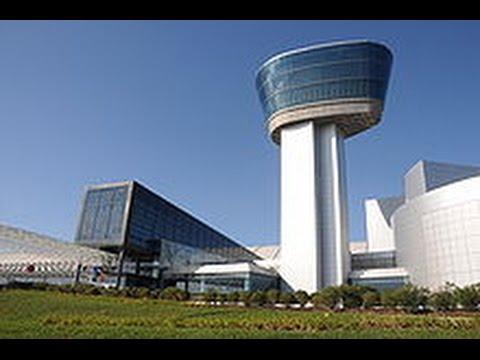 "Visiting the ""Udvar-Hazy Center (Air & Space Museum)"" in Chantilly, VA."
