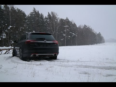 Opel Insignia Country Tourer First Snow, Climbing to the hill English Subtitles