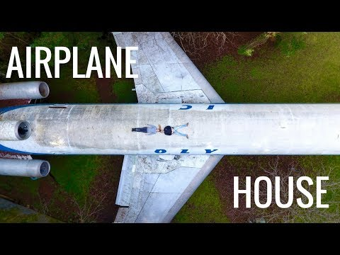 AIRPLANE HOUSE in the Woods // Hillsboro, Oregon